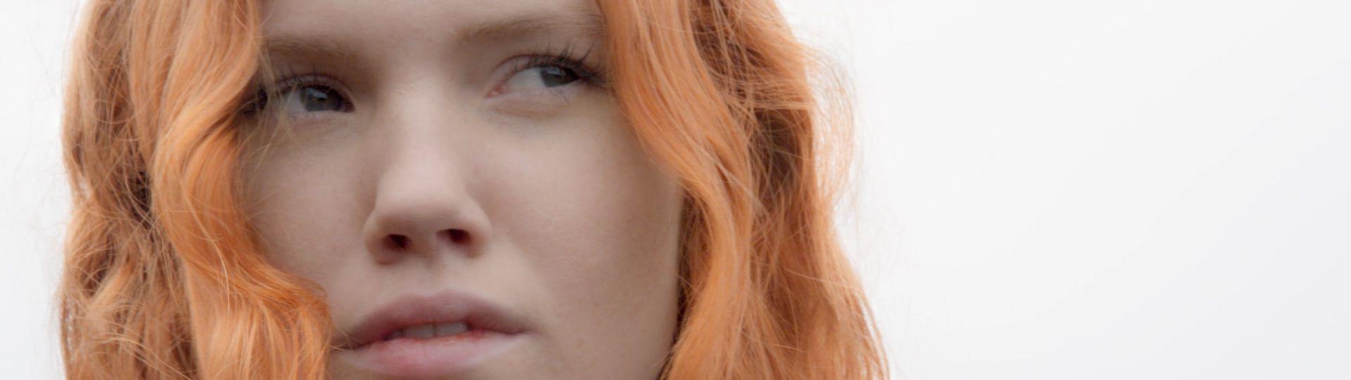Gesicht einer rothaarigen Frau
