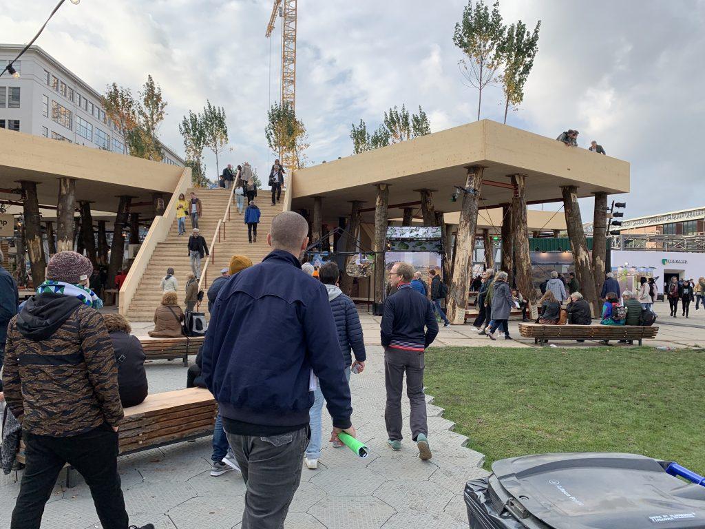 Das große, begehbare Exponat aus Holz war eines der Highlights der Messe